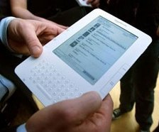 Amazon policy may bring e-books to mainstream