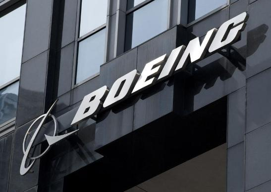 Boeing's Q4 Earnings Surpass Expectations