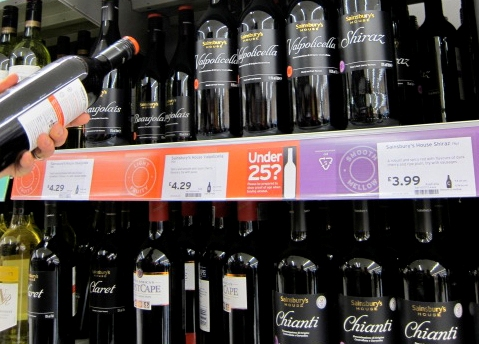 Sainsbury to Display Calorie Count on Wine Labels