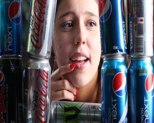 People Who Drink Diet Beverages Consume More Calories from Solid Food and Snacks