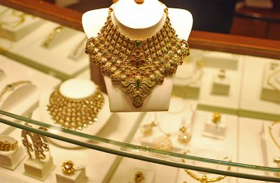 Bridal Budgets Hit by Rising Gold Prices