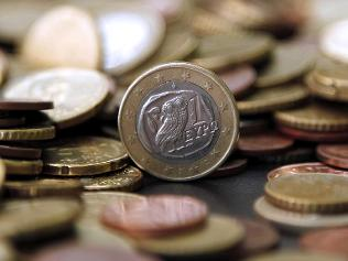 Economy of Greece fell down by 1.5% again