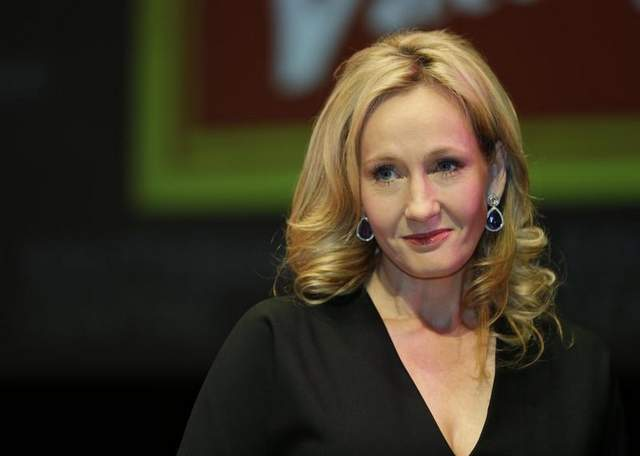 Rowling Signs Agreement with Warners Bro. for Another Series