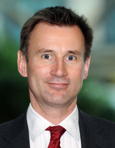 Closure of NHS walk-in centres by Hunt criticised by health watchdog