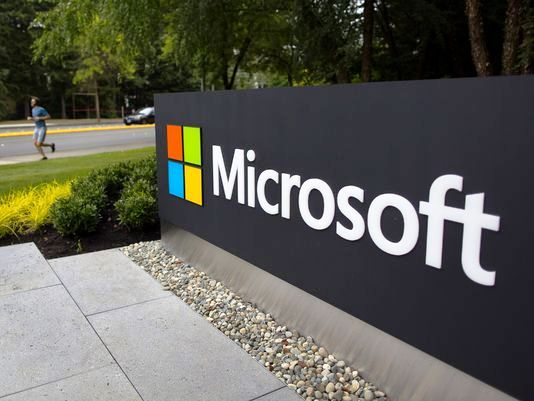 On Monday Traders Bought Microsoft Shares on Weakness