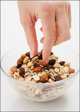 Study Says, Eating Nuts might Reduce Cholesterol Levels