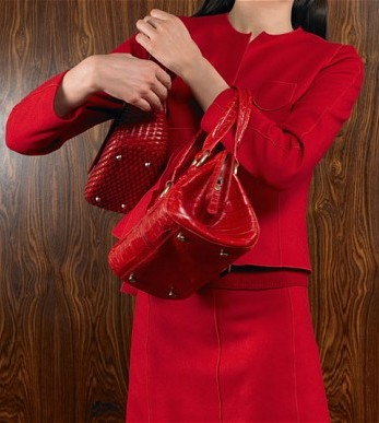 Women Can Wear Red to Impress in Office; Study Reveals