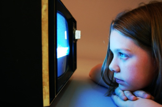 effects on watching to much tv Learn the good and bad effects of watching tv on your child's intellectual development.
