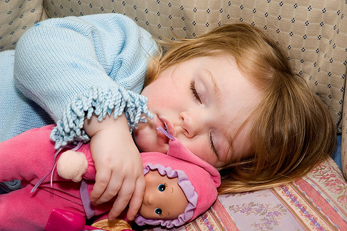Child obesity can be controlled with early sleep