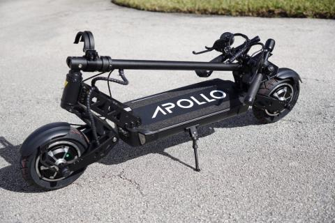 Apollo Ghost e-scooter comes with lots of unique features and capabilities