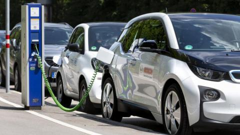 Global plug-in car sales exceed 3 million in first seven months of 2021